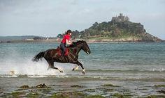 Georgina Waller riding a horse