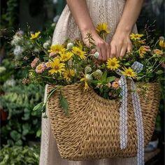 Bright Flowers Garden Spring Summer Novelty Craft Buttons BOUQUET BEAUTIES
