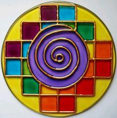 Risultati immagini per mandala feita com cd Mandala Canvas, Mandala Painting, Mandala Art, Fabric Painting, Cd Decor, Decoration, Glass Painting Designs, Paint Designs, Old Cd Crafts