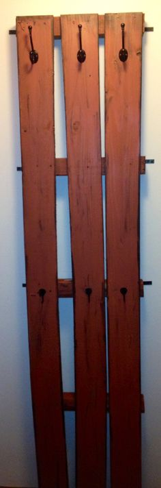 My Rustic coat rack, DIY with wood and paint! Easy and much cheaper