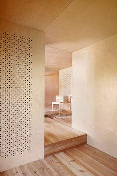 Plywood interior : Camponovo Baumgartner Architekten: Casa C - Thisispaper Magazine Plywood Interior, Plywood Walls, Interior Walls, Interior And Exterior, Plywood House, Timber Walls, Pine Plywood, Interiores Design, Interior Inspiration