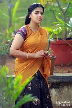 Exclusive stunning photos of beautiful Indian models and actresses in saree. Beautiful Girl Indian, Most Beautiful Indian Actress, Beautiful Girl Image, Beautiful Saree, Beautiful Actresses, Beautiful Heroine, Beautiful Women, Beautiful Lips, Beauty Full Girl