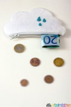 A whimsical change purse holds showers of coins. #EtsyGermany