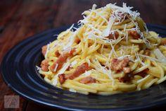 Spaghete carbonara Pizza Lasagna, Ravioli, Penne, Food And Drink, Cooking, Ethnic Recipes, Parmezan, Dyi, Food Ideas