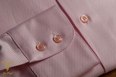 Love tone combinations of 1 color. (ton sur ton) It radiates eye for detail combined with playfullness. Actually pink shirt where very present in the 1950's.