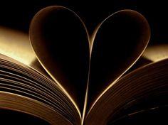 """""""Książka jest niczym ogród, który można włożyć do kieszeni"""""""