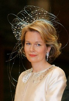 I don't usually like this style of fascinator but it so suits Princess Mathilde ~ its lovely on her!  | The Royal Hats Blog