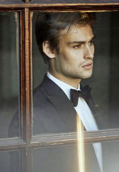 Douglas Booth Italy