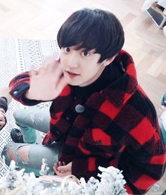 Animated gif shared by Find images and videos about kpop, gif and exo on We Heart It - the app to get lost in what you love. Chanyeol Cute, Park Chanyeol Exo, Exo Chen, Kpop Exo, Baekhyun, Chansoo, Chanbaek, 5 Years With Exo, Kim Jong Dae