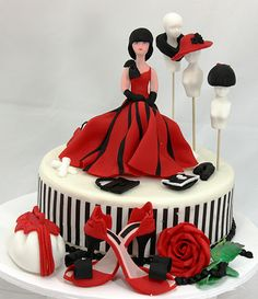 viorica's cakes: Fabulous shoes - http://madewithlovebyme.files.wordpress.com/2012/08/wm-14b-rose-and-trellis-wedding-cake1.jpg