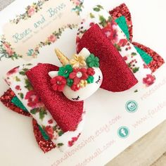 Handmade Glitter Unicorn Bow  Materials: Made with chunky glitter fabric, fine glitter fabric, fabric backed with felt and a unicorn clay charm.  Size: The bow measures approximately 8cm. Clip or Headband: The bow can be attached to your choice of the following: 🦄 an alligator clip