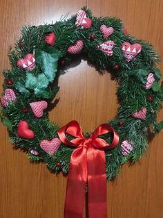I paní Kateřina Špásová se nechala inspirovat naším návodem na věnec. Spas, Christmas Wreaths, Holiday Decor, Home Decor, Fimo, Decoration Home, Room Decor, Home Interior Design, Home Decoration