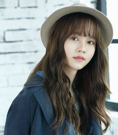 Happy birthday to Kim Sohyun who was in 'Who Are You,' 'The Girl Who Sees Smell,' 'The Moon Embracing the Sun,' and more Birthday: June 1999 American age: 17 International age: 18 Korean Actresses, Korean Actors, Actors & Actresses, Korean Star, Korean Girl, Hair Inspo, Hair Inspiration, See Through Bangs, Who Are You School 2015