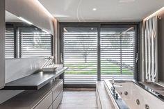 Architektonická moderna v plnej svojej kráse prostredníctvom záberov nádhernej vily z talianskej Brescie