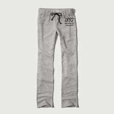 Abercrombie & Fitch Skinny Sweatpants ($29) ❤ liked on Polyvore featuring activewear, activewear pants, light heather grey, abercrombie fitch sweatpants, skinny leg sweat pants, skinny sweatpants, super skinny sweatpants and fleece sweat pants