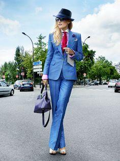 Females can be dapper too. Women in menswear Tomboy Fashion, Suit Fashion, Fashion Outfits, Womens Fashion, Paris Fashion, Tomboy Stil, Estilo Tomboy, Estilo Dandy, Women Wearing Ties