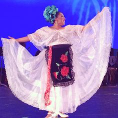 Calidanza  Dance Company, California Performer making me proud of my Mexican culture