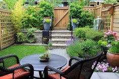 Try these 10 garden design tips for small gardens to help make your space look bigger! Small gardens will be transformed with these clever design illusions Small Backyard Gardens, Small Backyard Landscaping, Backyard Garden Design, Small Space Gardening, Small Garden Design, Small Patio, Garden Spaces, Small Gardens, Landscaping Ideas