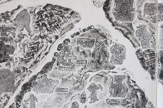 L'artista cinese Qiu Zhijie ci racconta, attraverso le sue mappe, l'antico Oriente. Partendo da un errore di Marco Polo: quando scrisse di aver visto degli unicorni. A Venezia, fino al 18 agosto.