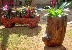 Troncos e raizes: Floreiras em troncos de madeira reciclada