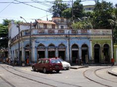 Santa Teresa:  This quaint bohemian neighborhood of Rio with colonial buildings and cobblestone streets steep on a hillside overlooking the city is earning the interest of tourists wishing to see an alternate Rio away from the beach scene. Art galleries and restaurants add to the local culture of Santa Teresa.