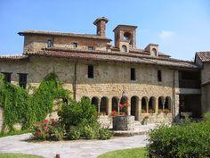 In questo weekend di fine maggio, l'associazione Calyx propone una visita guidata con pranzo all'eremo medievale di Sant'Alberto di Butrio, uno dei luoghi più affascinanti e misteriosi