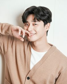 ASK K-POP Actor Park Seo-joon explained the scandal with Park Min-young. In an interview with Park Seo-joon, an interview with a cable channel TVN `Kim Ji-seo` conducted at a cafe in Gangnam-gu, Seoul on he said, Joon Park, Park Hae Jin, Park Hyung, W Kdrama, Kdrama Actors, Most Handsome Korean Actors, Song Joong, Park Bo Gum, Yoo Seung Ho