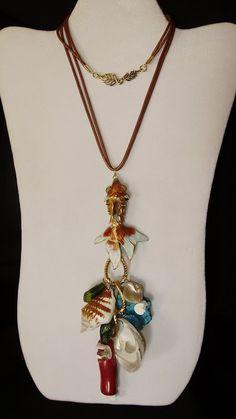 C09097 Collar de Pececito de Cloisonet, Turqueza, Coral Madre Perlas y Caracol.