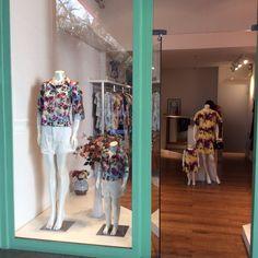 Na Lille Butik você encontra peças de alfaiataria. Venha conhecer nossa loja no Barra Garden Shopping - Av.das Américas 3255 - loja 248 - SEGUNDO PISO.