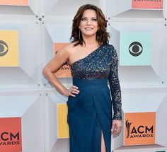 Martina McBride in Brooke Worthington Jewelry pavé diamond needle earrings at the 51st Academy of Country Music Awards