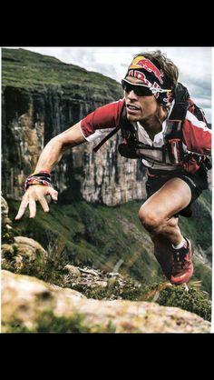 Ryan Sandes attacking the Drakensberg Grand Traverse.