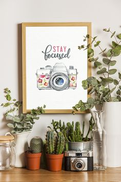 Aug 2019 - Come on in and snatch yourself a Free Printable Stay Focused Inspirational Quote Wall Art Piece that you can hang on the wall use in a vignette and more! Diy Wall Art, Diy Wall Decor, Art Decor, Home Decor, Wall Art For Bedroom, Diy Bedroom, Bedroom Ideas, Diy Wand, Canvas Painting Quotes