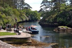 Blue Pool Ferry in Glengarriff, County Cork. Creativity and inspirations from Ireland Kreativ-Alltag im blauen Cottage in Irland: Irland | Ireland