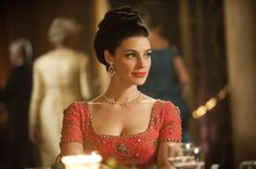 I will now be on the hunt for a dress similar to the one Megan Draper wore on Mad Men last night. It was stunning!