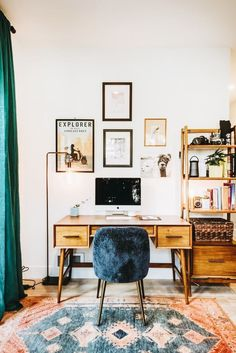 Love this little desk area!
