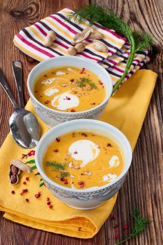 Fall recipe: spicy sweet potato soup # sweet potato … Informations About Herbstrezept: Scharfe Süßkartoffelsuppe Pin You Vegetable Soup Healthy, Healthy Vegetables, Healthy Soup Recipes, Spicy Recipes, Yummy Recipes, Fall Recipes, Vegetarian Recipes, Chicken Recipes, Yummy Food