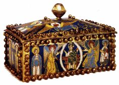 Reliquary box 1100-50 Oak, champlevé panels, 14 x 20 x 13 cm Kunstgewerbemuseum…