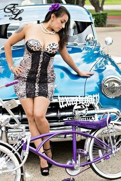 Hot lowrider girls on bikes