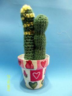 https://www.facebook.com/photo.php?fbid=168879519917053&set=a.168879286583743.40164.157374074400931&type=3&theater Cactus en crochet en maceta intervenida