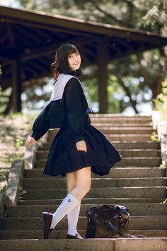 飞鸟呆然 School Uniform Fashion, Japanese School Uniform, School Uniform Girls, Cute Asian Girls, Cute Girls, Schoolgirl Style, Japan Girl, Asia Girl, Hey Girl