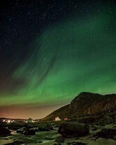 Northern lights over Lofoten Tromso, Lofoten, Land Of Midnight Sun, Northern Lights Norway, Northen Lights, Arctic Circle, Places Of Interest, Covered Bridges, Beautiful Sky