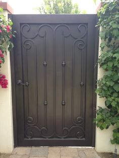 Wrought Iron Metal Gates for Courtyards & Gardens Front Gate Design, Main Gate Design, House Gate Design, Door Gate Design, Fence Design, Metal Garden Gates, Metal Gates, Wrought Iron Doors, Garden Doors
