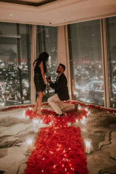 Manish wanted to propose to his beautiful girlfriend Anisha with the most incredible view across London. so we suggested. Wedding Proposal Videos, Romantic Proposal, Perfect Proposal, Wedding Proposals, Marriage Proposals, Best Proposals, Surprise Proposal Pictures, Cute Proposal Ideas, Proposal Photos