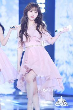 [쇼! 음악중심] 190105 러블리즈 찾아가세요 현장 포토 : 네이버 포스트 #lovelyz #kei #kimjiyeon #러블리즈 #케이 #김지연 Kpop Girl Groups, Korean Girl Groups, Kpop Girls, Pink Outfits, Sexy Outfits, Fashion Outfits, Hip Hop Fashion, Kpop Fashion, Lovelyz Kei