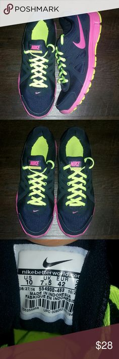 Nike Revolution 2 Brand: Nike Size:10 Woman Athletic Great Condition. I clean them Fast Shipping Bunddles Accepted Follow Me For New Items Every Week Nike Shoes Athletic Shoes