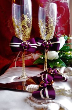 wedding plum and gold,purple plum & gold Wedding Champagne glasses,gold toasting flutes,set of 4, personalized cake server  For these glasses