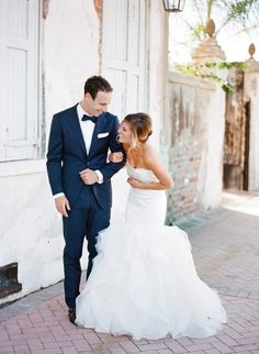 Photography: Megan W Photography - megan-w.com  Read More: http://www.stylemepretty.com/2015/04/01/romantic-new-orleans-wedding-filled-with-old-world-charm/