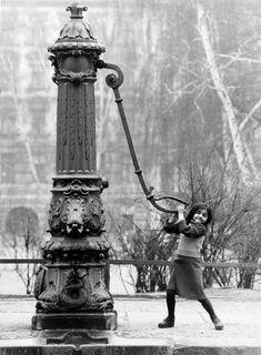 Kleine Wasserpumperin,Kreuzberg 1986