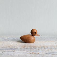 Vintage Danish Modern Style Wood Duck by ethanollie on Etsy Danish Modern, Desk Layout, Wood Toys, Wood Design, Wood Turning, Baby Sleep, Wood Art, Woodworking, Vintage