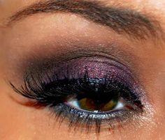 Smokey purple with navy liner. This is pretty combo for every eye color.I sooo would love this pretty look!